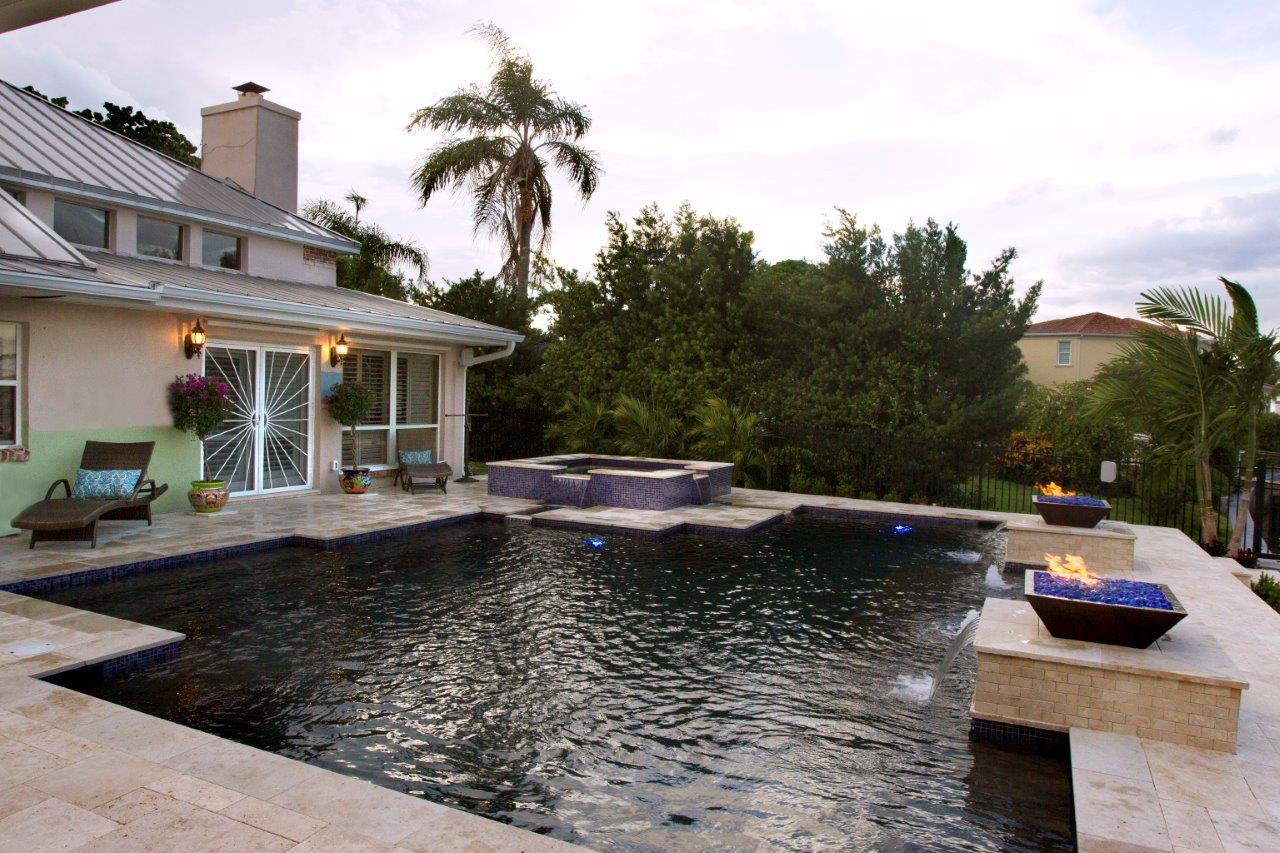 Best pool builder in tampa florida grand vista pools for Top pool builders